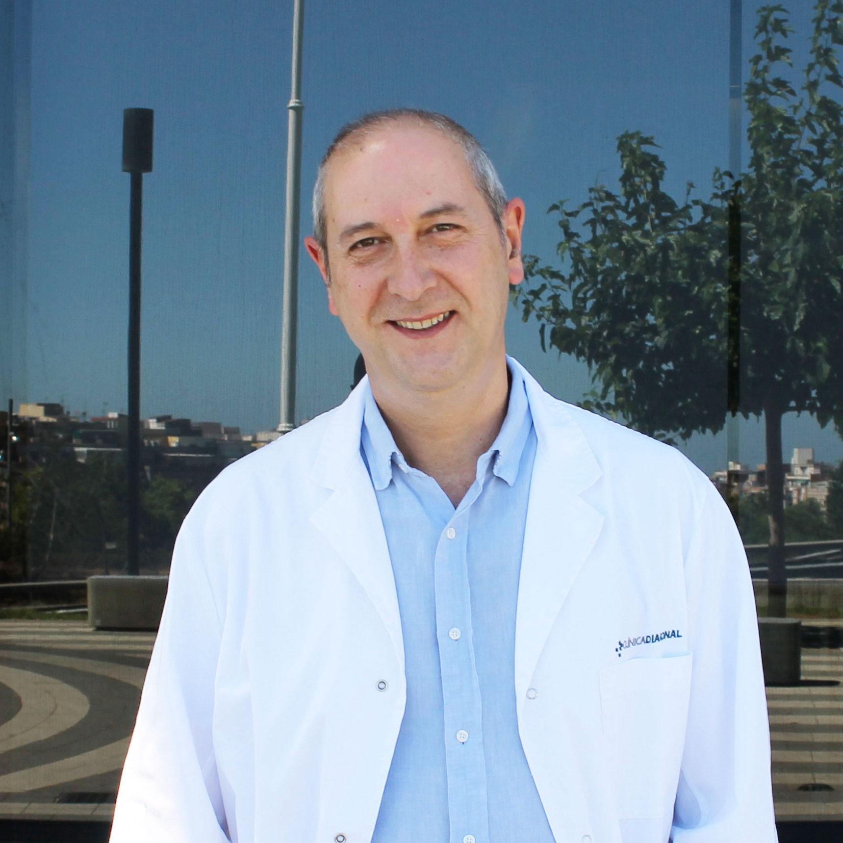 Endoscopista del equipo para el tratamiento integral de la obesidad